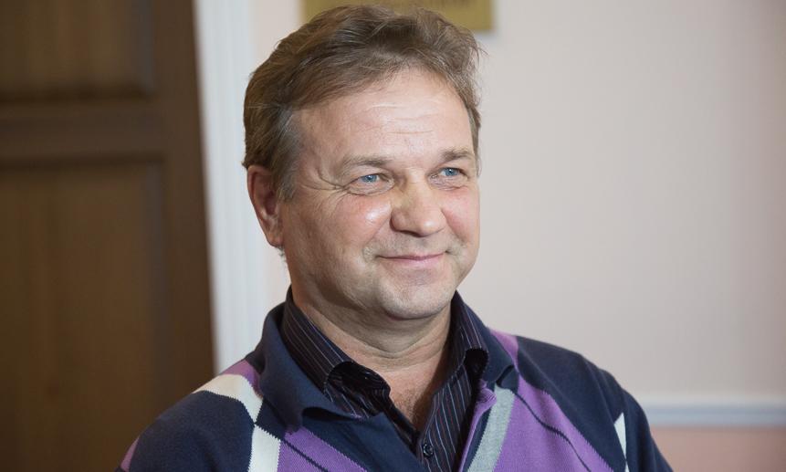 Машинист автогрейдера Иван Федяев.